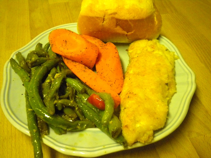 parmesan chicken, garlicky green beans, lemon dilly carrots, and a brioche roll